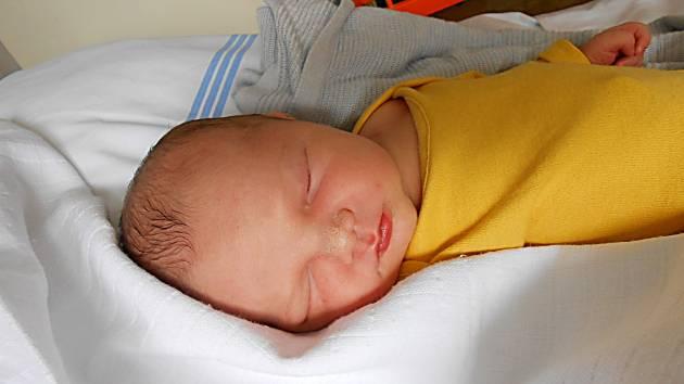 Adámek Fuka, Petkovy. Narodil se 1. července, vážil 3,4 kg a měřil 49 cm.  Maminka Jana a tatínek Vojtěch.