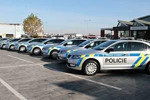 Policie ČR a její služební vozy od společnosti Škoda Auto. Ilustrační foto.