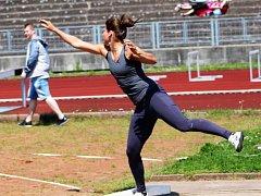 Marta Valtová veze stříbro (vrh koulí – 13,70 m) a dvakrát bronz (hod oštěpem - 34,02 m; hod diskem – 34,30).