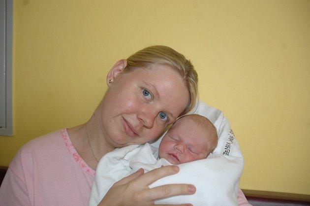 Maminka Lucie Zemanová z Dolní Krupé porodila dceru Šárku 1. září ve 12.15 v turnovské porodnici.