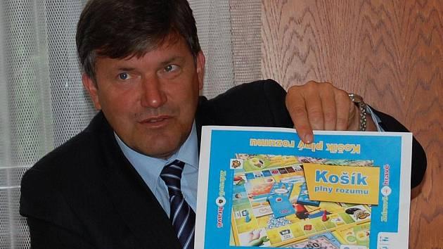 Náměstek primátora Mladé Boleslavi Jan Smutný informuje o akci Koší plný rozumu.