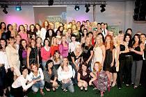 Všech dvaasedmdesát semifinalistek Pretty Woman 2010.