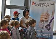 V rámci světového dne úrazu dorazily do Klaudiánovy nemocnice v Mladé Boleslavi i dvě třídy dětí ze Základní školy Kosmonosy.