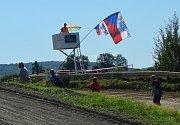 Rachvala, autokrosový a motokrosový areál v Dolním Bousově, přilákala o víkendu stovky lidí.