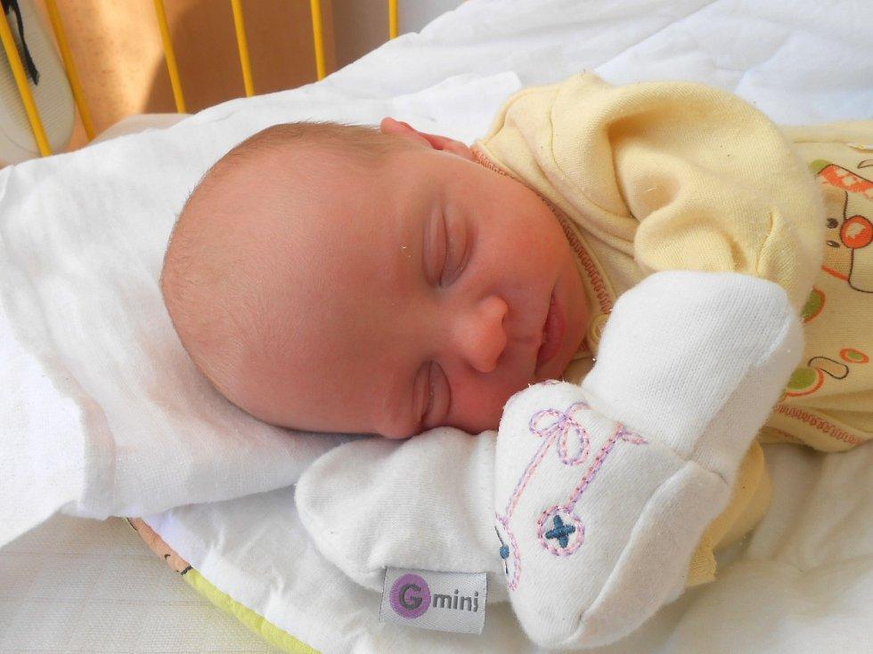 ONDŘEJ Krupka se narodil 31. ledna. V době porodu byla známa pouze váha 2,97 kg. Maminka Eva a tatínek Ondřej si ho odvezou domů do Mnichova Hradiště, kde už se na něj těší bráška Matyáš.