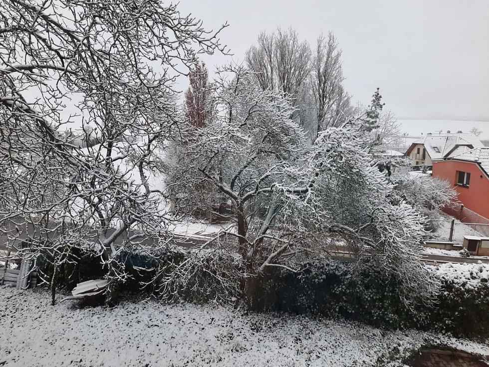 Semčice zasypal sníh