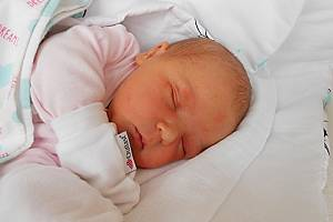 Karolína Ondrášková se narodila 17. března, vážila 4,47 kg a měřila 53 cm. Maminka Veronika a tatínek Petr si ji odvezou domů do Petkov, kde už se na ni těší sestřička Viky.