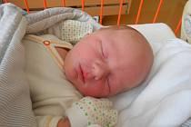 Jakub Mikolášek se narodil 20. ledna, vážil 3,74 kg a měřil 54 cm. Maminka Jiřina a tatínek Jakub si ho odvezou domů do Sýčiny, kde už se na něho těší bráška Honzík.