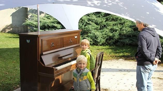Piano se na ulici vrátí na jaře, a mohlo by přibýt ještě další