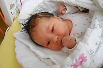 Eliška Linhartová se narodila 11. prosince, vážila 3,14 kg a měřila 47 cm.  Maminka Romana a tatínek Jakub si ji odvezou domů do Peček.