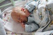 Martin Čišecký se rodičům Kristýně Havrdové a Martinovi Čišeckému ze Skalska narodil 16. října v mělnické porodnici, vážil 2,77 kilogramu a měřil 48 centimetrů.