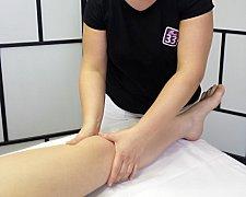 Lymfatická masáž rozhýbává lymfatický oběh a zbavuje tělo škodlivin.