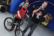Už jste viděli kola bez sedla - takzvaný Runbiking? I to bylo možné vidět na Dnu s Deníkem v Bondy centru.
