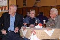 Odleva: Milouš Kvaček, František Šichta a František Havránek na loňském srazu Astonky.