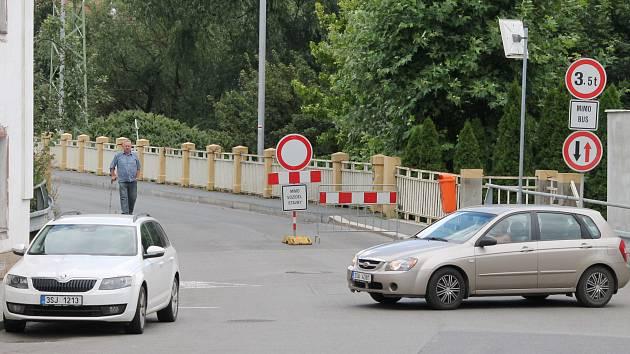 Oprava Masarykova mostu v Debři začala ke konci srpna
