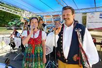 Za krásného počasí a za účasti stovek diváků se v zámeckém areálu uskutečnila tradiční Vtelenská Dechparáda.