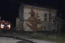 Požár domu ve Lhoticích