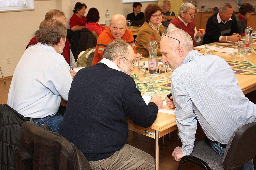 Zastupitelé města Kosmonosy na březnovém zasedání.