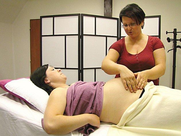 Těhotenská masáž - Studio 33