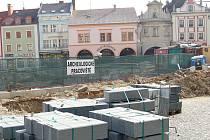 Nedělní betonáž parkovacího domu na Starém Městě v Mladé Boleslavi.