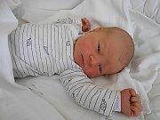 Emilka Navrátilová se narodila 27. srpna, vážila 3,06 kg a měřila 49 cm. S Maminkou Adélou a tatínkem Ondřejem bude bydlet v Pískové Lhotě.