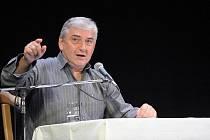Miroslav Donutil v Bezně vystoupí 1. října.