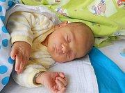 Noe Sam přišel na svět 19. května s mírami 3,33 kg a 47 cm. Maminka Hana a tatínek Fabrice si ho odvezou domů do Řepína, kde už se na něho těší bráška Davídek.