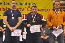 Boleslavák Zdeněk Šudoma (vlevo) si přivezl z miistrovství republiky Masters stříbrnou medaili.