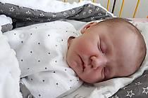 Ema Stará se narodila 19. února, vážila 3,75 kg a měřila 52 cm. Maminka Aneta a tatínek Václav si ji odvezou domů do Mladé Boleslavi.