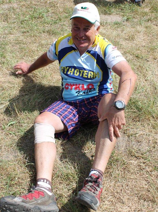 Jan Patočka v cíli triatlonu Dřevěný muž, který založil, který organizuje a také v něm závodí. Z 30 ročníků vynechal jen jeden.