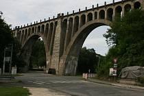 Železniční most v Jizerním Vtelně.