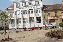 Radnice Bakov nad Jizerou