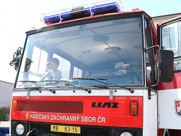 Dobrovolní hasiči z Benátek si polepší. Dostanou cisternu