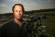 Pavel Podolský je předseda klubu a hlavní trenér SC BMX Benátky nad Jizerou. V bikrosu stále závodí; jedná se o závodění na 20 palcových kolech na trati dlouhé 400 m plné překážek.