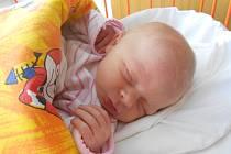 ELENA Kamenická se narodila 15. května, vážila 2,81 kilogramů a měřila 49 centimetrů. Maminka Martina a tatínek Marcel ho odvezou domů do Katusic za dvouapůlletým bráškou Lukáškem.