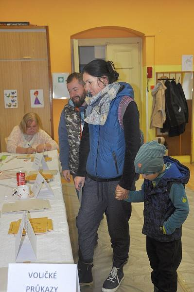 Volby v Mnichově Hradišti objektivem fotoaparátu Vladislava Fanty.