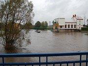 Povodně na Bakovsku - Jez