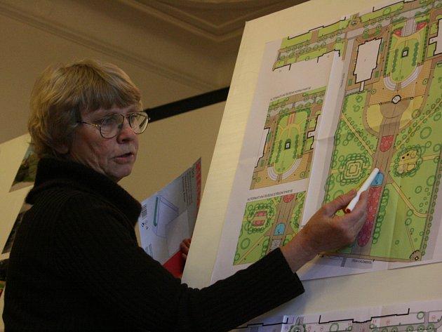 Architektka Ivana Tichá představila studii rekonstrukce parku.