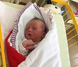 Jakub Brynych se narodil 2. května mamince Lucii a tatínkovi Zdeňkovi. Vážil 3,75 kg a měřil 55 cm. Doma v Sojovicích ho čeká bráška Zdenda.