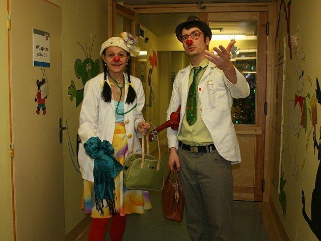 Zdravotní klauni v Klaudiánově nemocnici