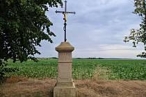 Křížky, boží muka a staré kapličky na Mladoboleslavsku.