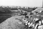 Výstavba koupaliště začala v roce 1935. Areál se nachází v místě bývalé cihelny. Na foto pohled ze severu.