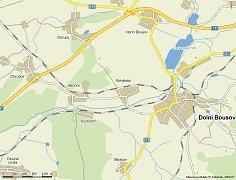 Poněkud paradoxně leží mezi dolnobousovskými osadami Bechov, Svobodín a Dolním Bousovem obec Rohatsko, která má vlastní obecní úřad.