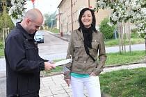 Policisté zjišťují v ulicích, jak jsou s jejich prací lidé spokojeni