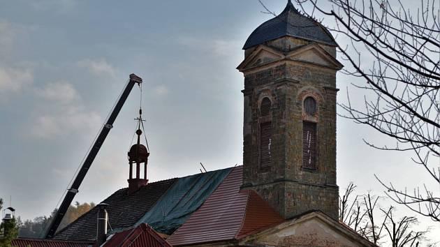 Kostel sv.Františka Serafínského v Kněžmostě.