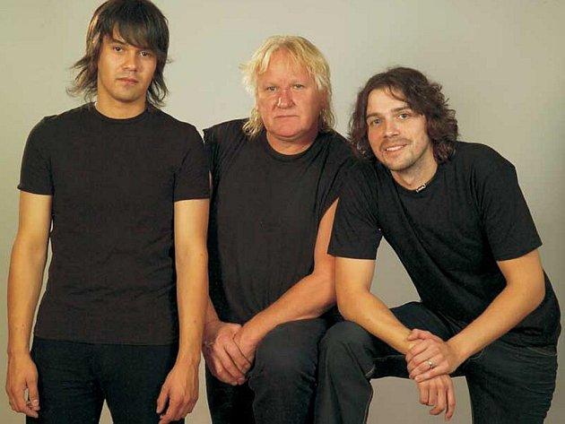 Kapela Katapult. Zleva: Andy Budka, Olda Říha, Ondřej Timpl.