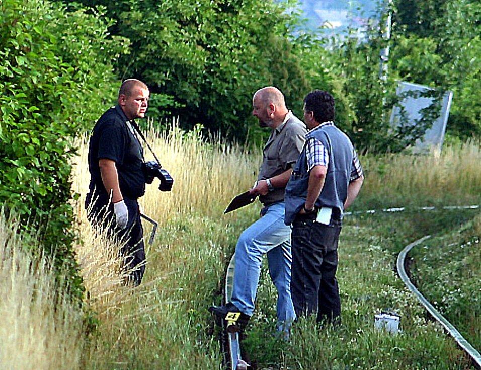 Kriminalisté místo nehody velmi pečlivě ohledávali přes dvě hodiny.