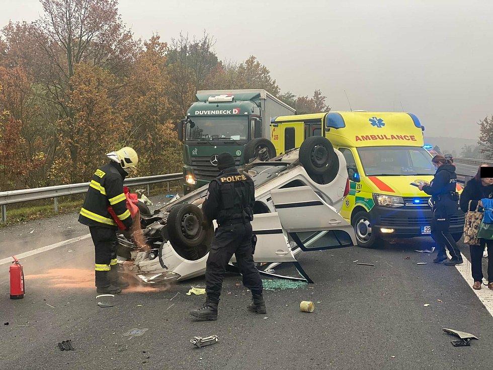 Dopravní nehoda u Bakova nad Jizerou.