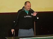 Fotbalisté Bakova hráli turnaj ve stolním tenise