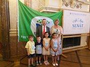 Mateřská škola Vlkava získala za svou práci Mezinárodní titul Ekoškola. Titul Ekoškola symbolizuje mezinárodní zelená vlajka, logo a certifikát, které má škola právo používat.